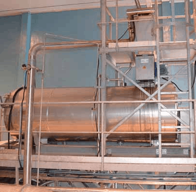 Exterior of Autoclave with product feedhopper and Rotary Valve