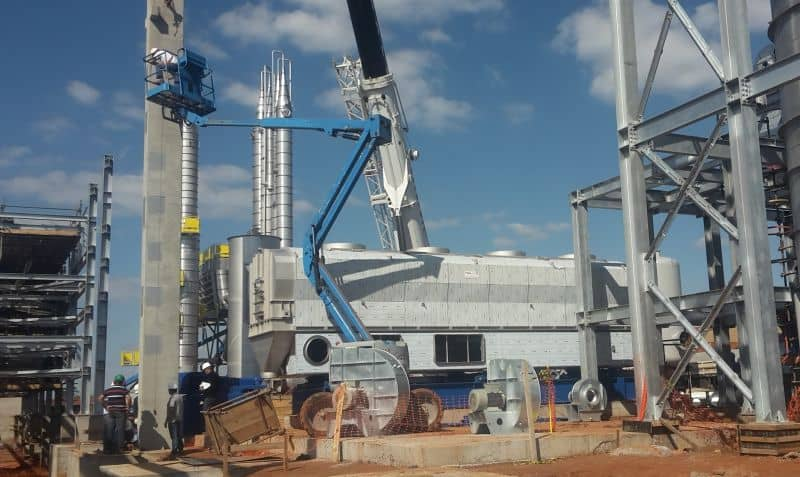 Process combined ethanol stripper dryer with ethanol recovery.